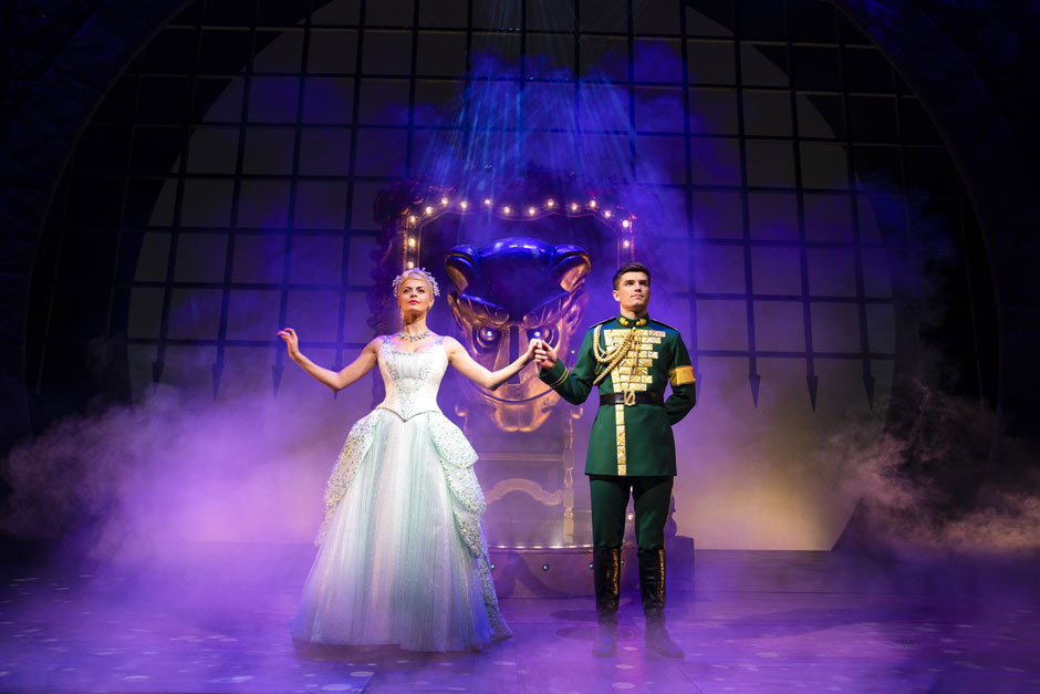 PHOTOS: First look at David Witts and the new Wicked cast Tickets | London  News Tickets | News and Information