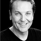 Brian Conley to star in the West End's 9 to 5 the Musical at the Savoy Theatre.